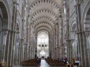 ロマネスク:ヴェズレー聖マドレーヌ聖堂