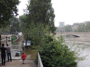 セーヌ川の増水(今年6月)